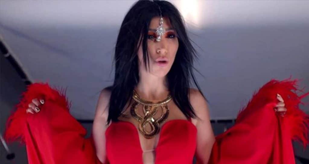 Hande Yener'e Bir Şok Daha! Şarkıcının Yeni Albümü Sansürlendi!