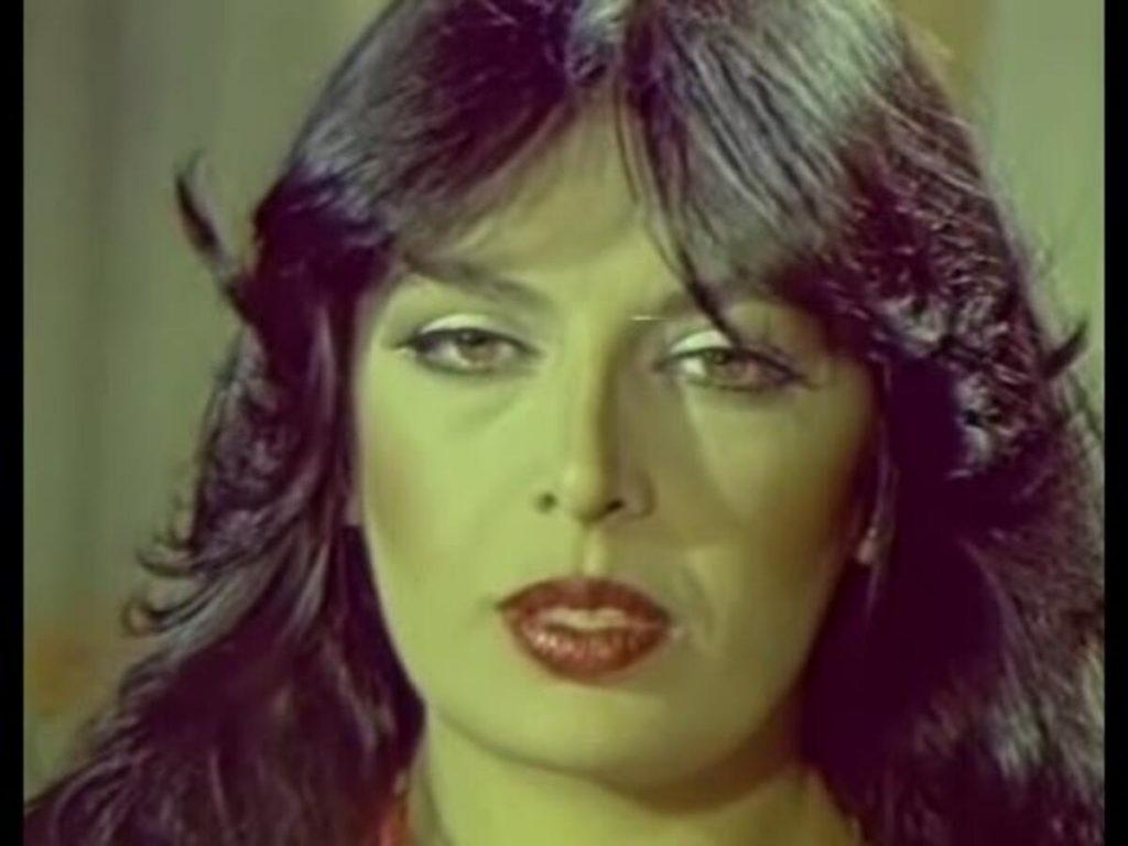 Yeşilçam'ın Güzel ve Cesur Kadını Zerrin Egeliler Filmleri (24+ Film)